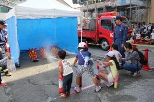 池田市消防本部で「消防署にあつまれ~2016」というイベントが開催されたみたい。
