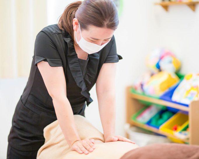 赤ちゃん連れで産後マッサージが受けられるプライベートサロン アイビー