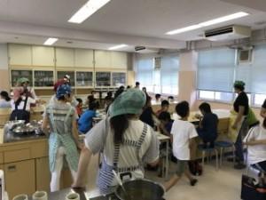 いしばし学園 石橋中学校図書館で地域の方々や卒業生、大学生たちが学習支援「どてら」を行っています