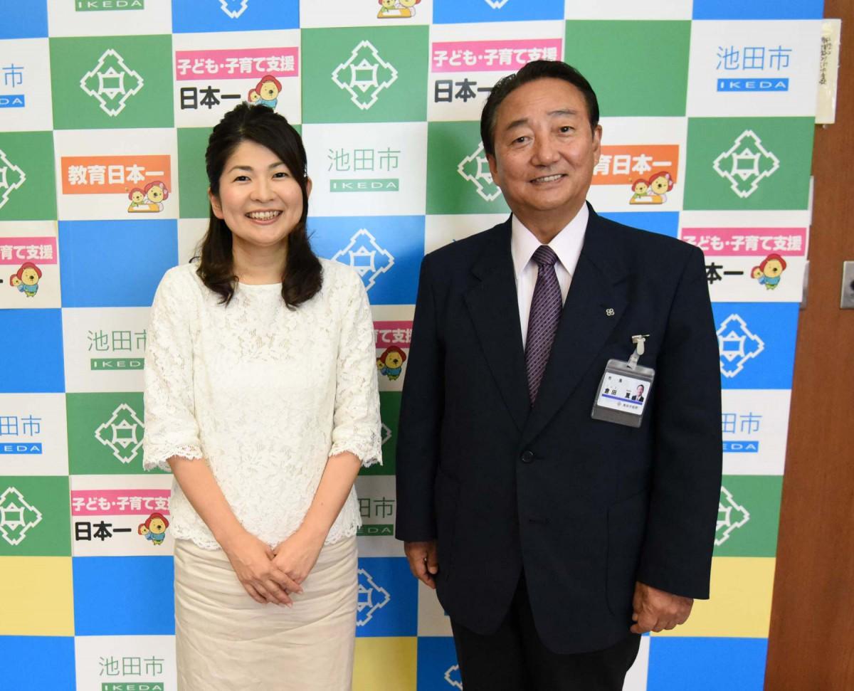 「教育・子ども子育て支援日本一の池田」を政策に掲げられている倉田薫市長に、不登校児のためのフリースクールを運営する白井智子さんがお話を伺いました。