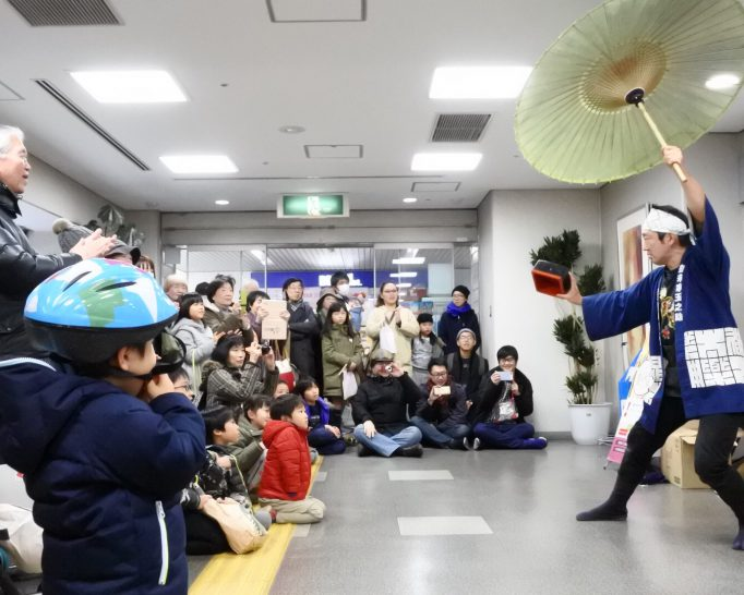 池田駅下のブランマルシェで開催中の獅子舞巡行に行ってきました。