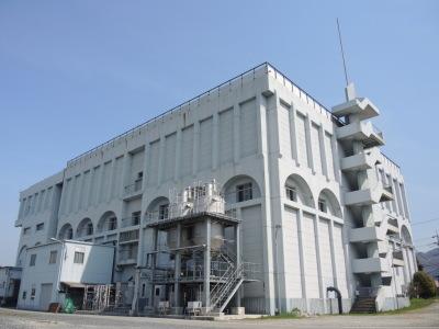 6月4日(土)古江浄水場見学会。憧れのポンプ車が間近で見れる!消防服を着て記念撮影やおもしろ実験も!